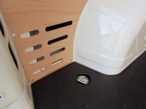 Detail uchutenia - podlaha, boky